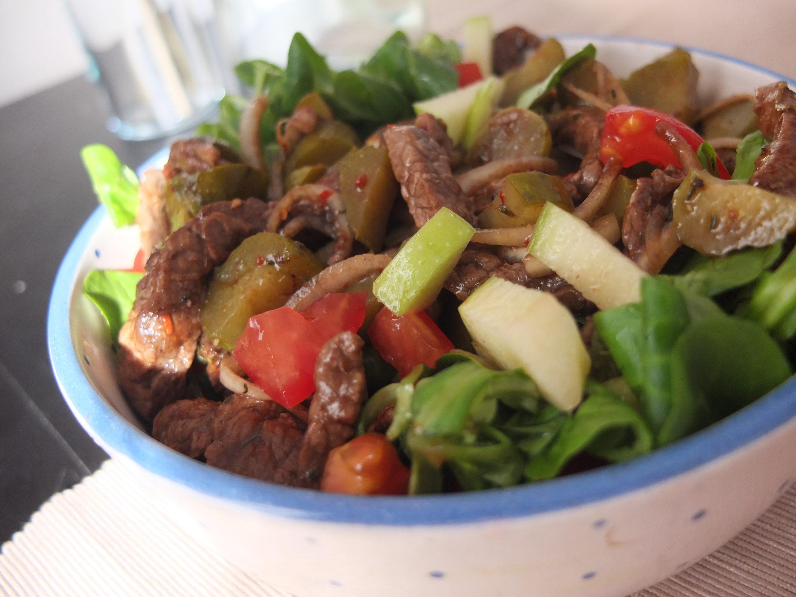 Scharfer Rindfleisch-Salat